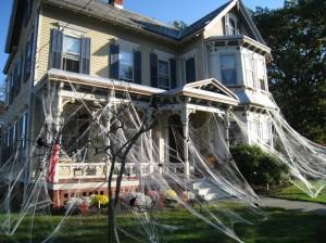 haunted-halloween-house-1024x768